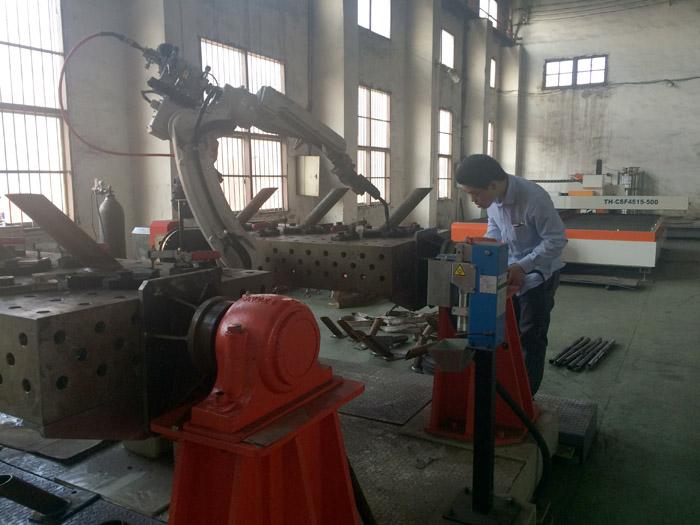 柔性工装机器人焊接工作站